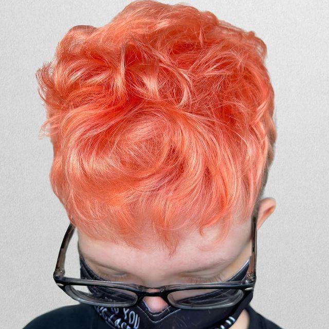 Neon peach air